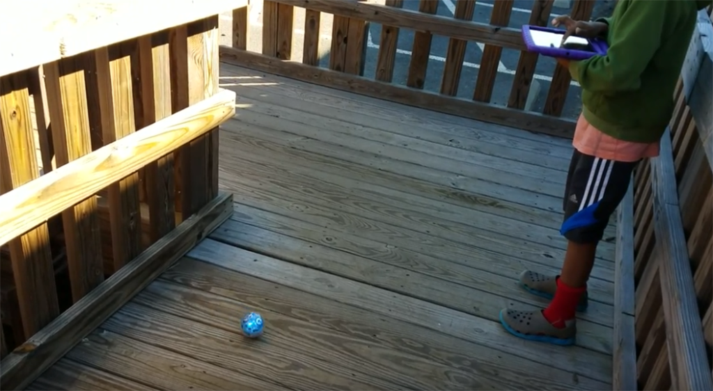 teaching STEM to 2nd graders with a sphero
