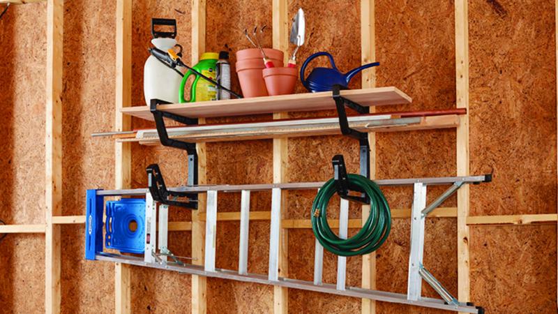 Shelf Builder in use