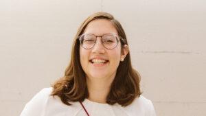 Zoe Hausmann Headshot